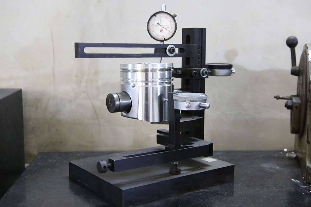 Comprehensive measuring instrument